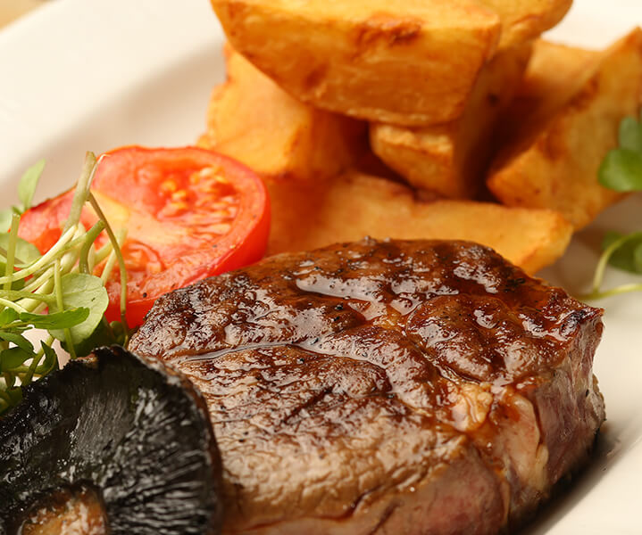 A tasty steak, served at the Freemasons Arms.